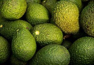 hoe weet je of een avocado rijp is