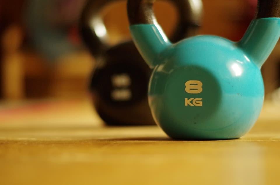 hoe zwaar moet een kettlebell zijn voor een beginner